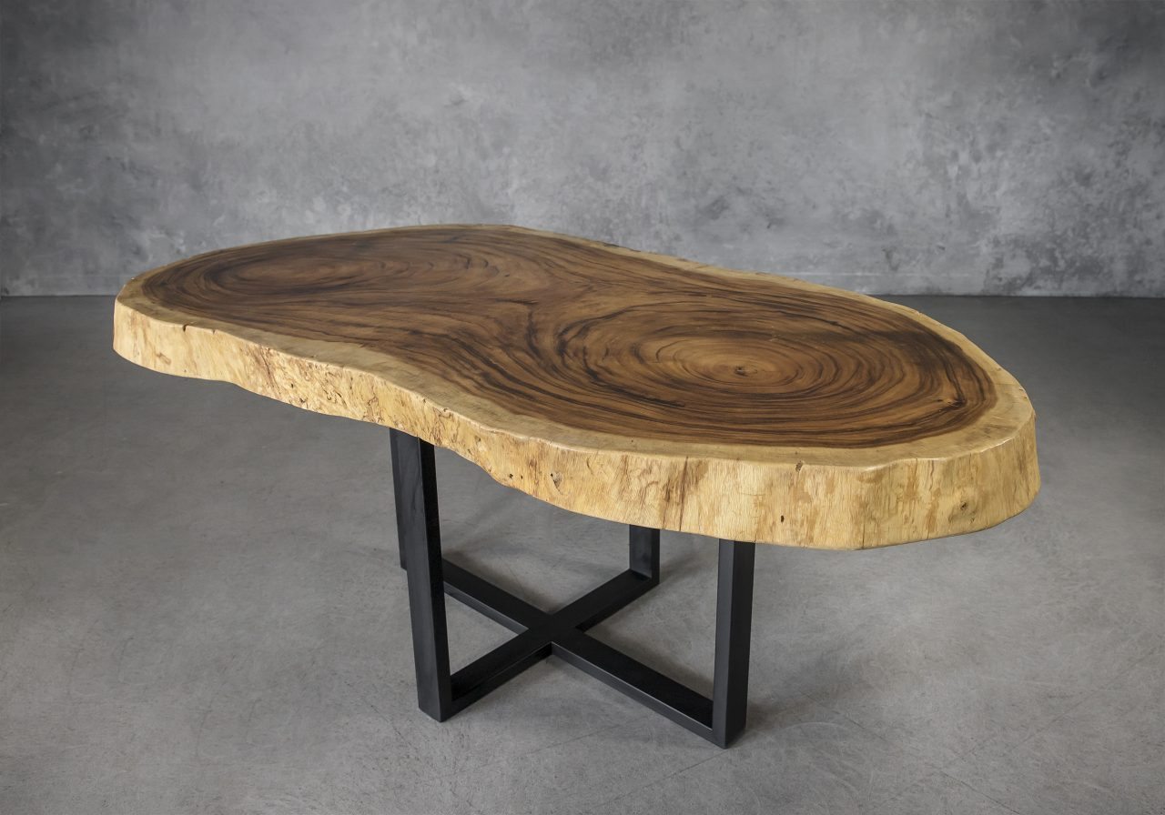 Live Edge Dining Table Round, Angle
