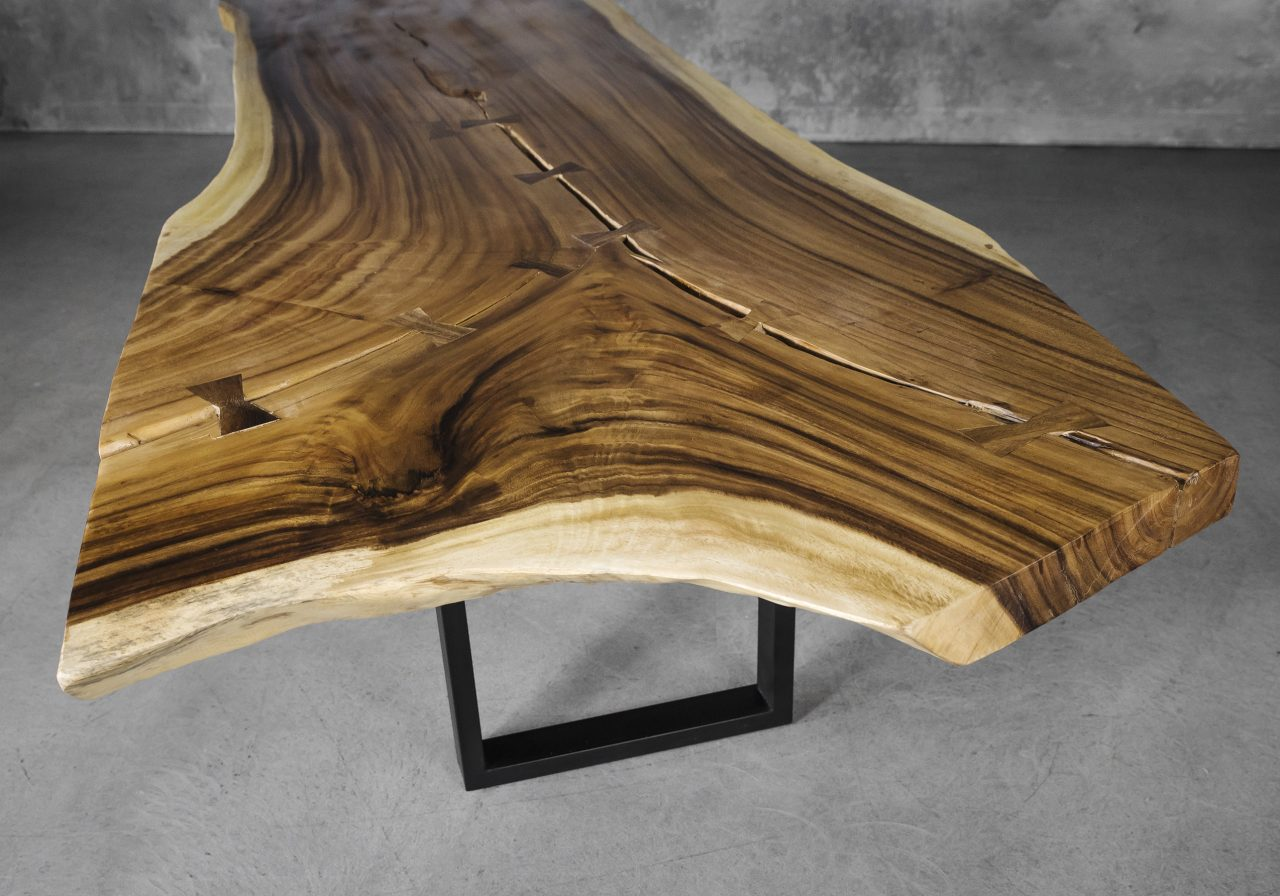 Live Edge Dining Table, Y Close Up