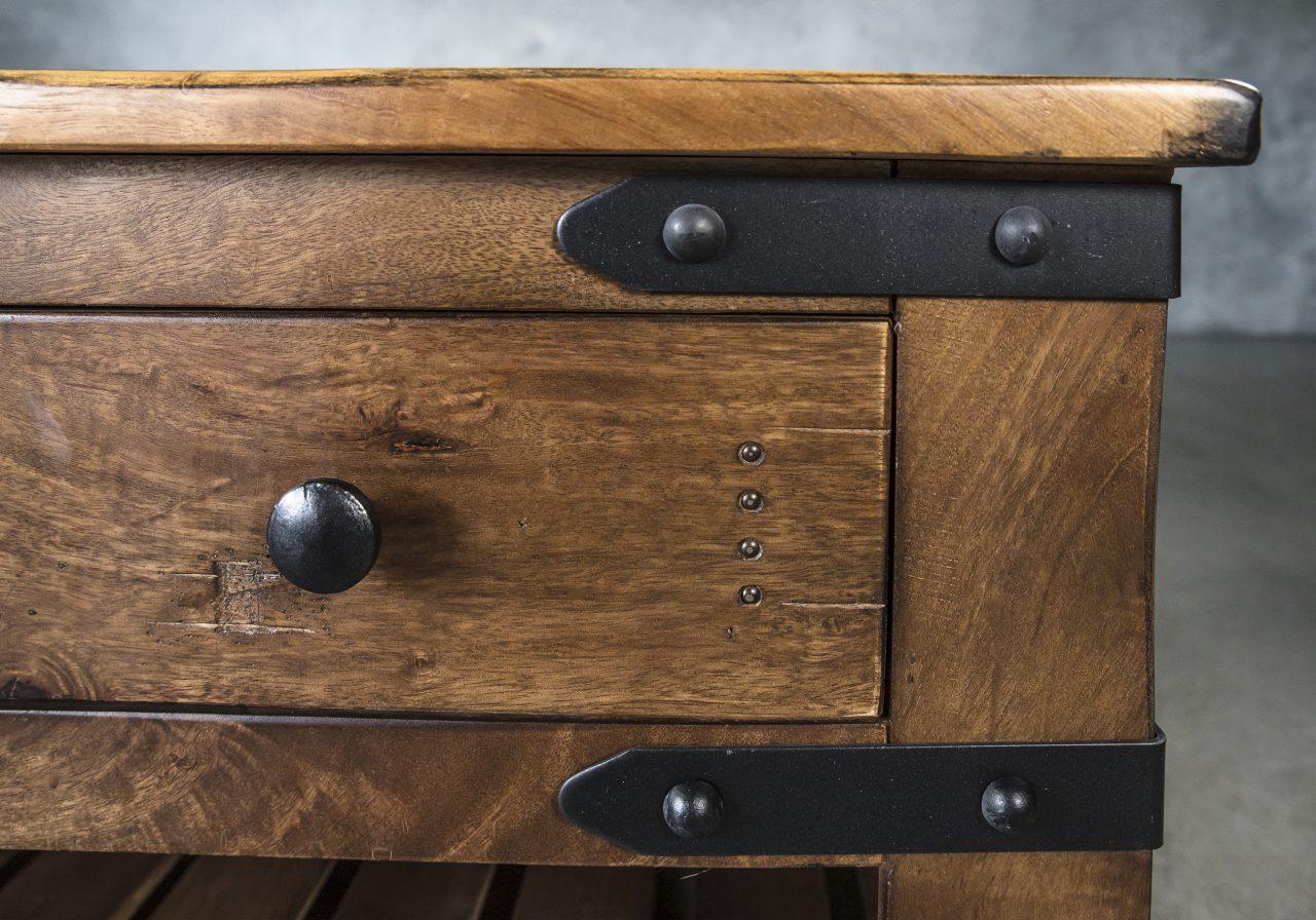 Parota Coffee Table, Close Up