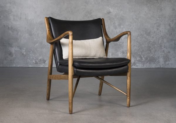 Steen Chair in Black Leather, Angle