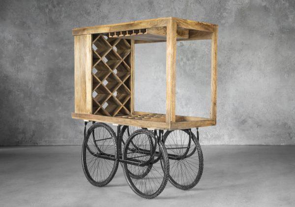 Merchant Cart, Angle