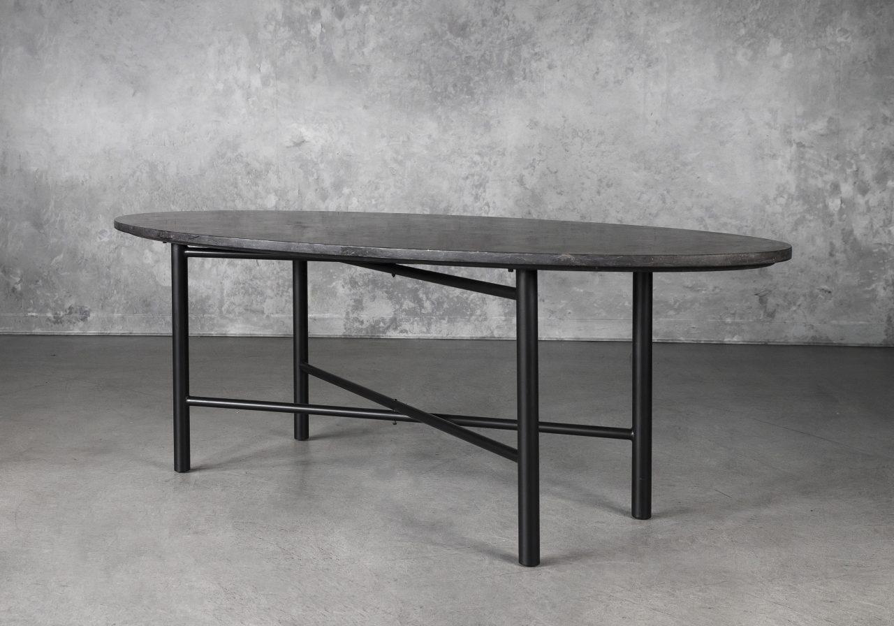Palla Dining Table, Angle