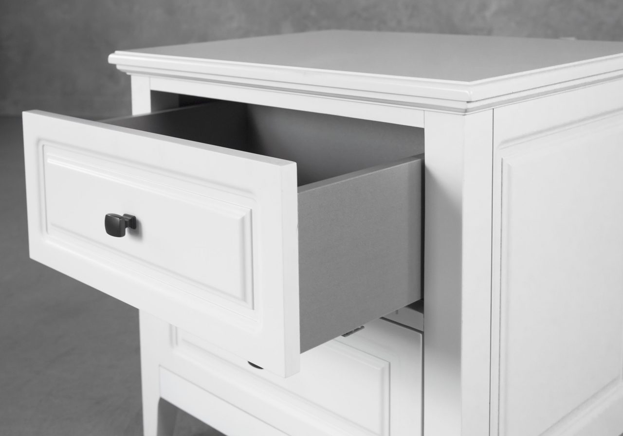Jesse Night Stand in White, Close Up