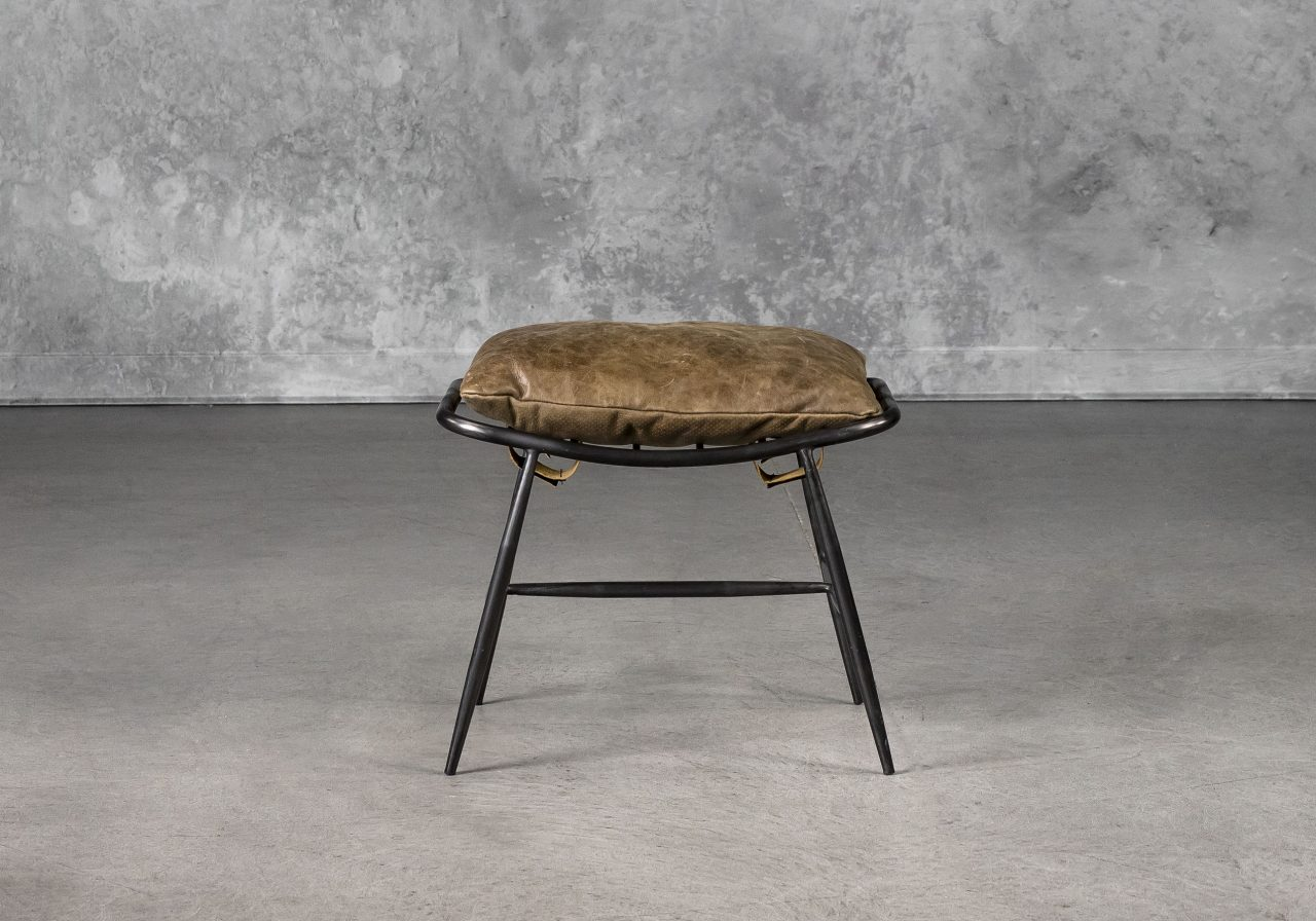 Sean Ottoman in Brown, Front