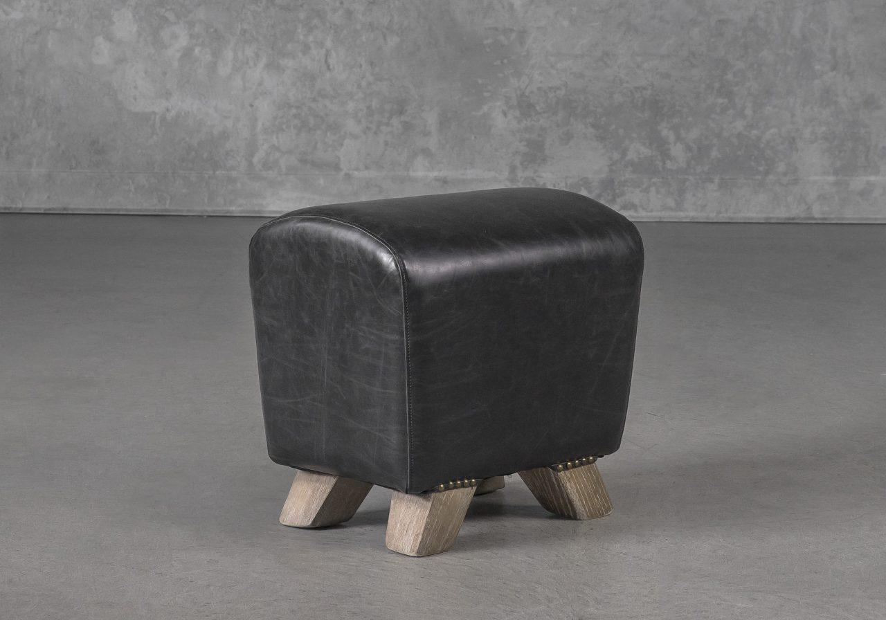 Wilber Ottoman Black, Angle