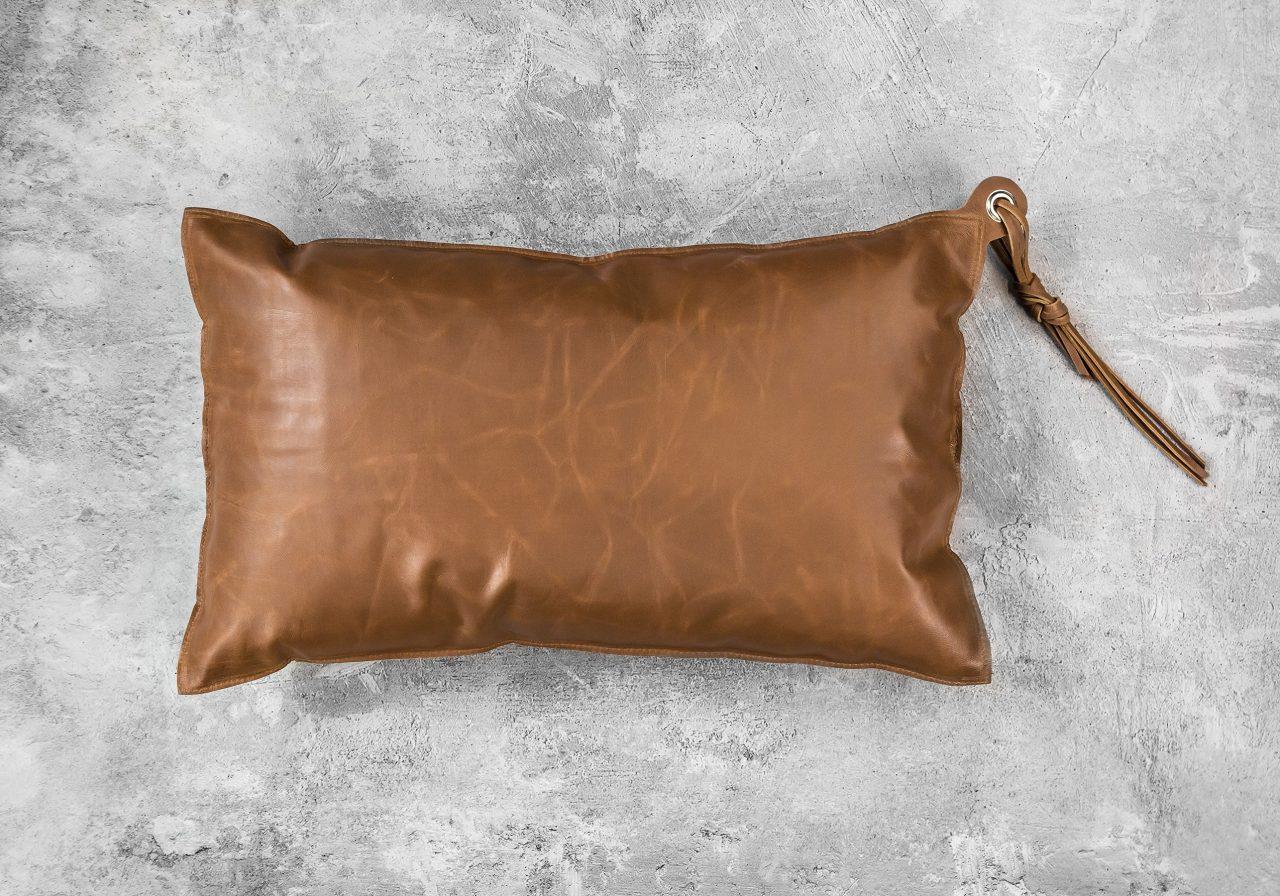 Tassle Pillow 12 x 20, Top