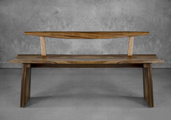 Toma Bench, Front