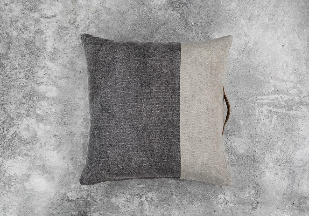 Bloc Strap Pillow 20 x 20, Top