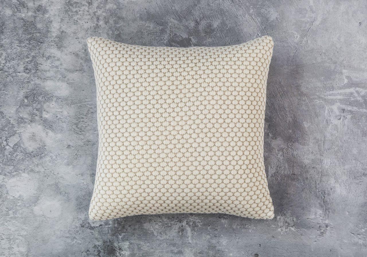 Dia Nat Toss Pillow 20 x 20, Top