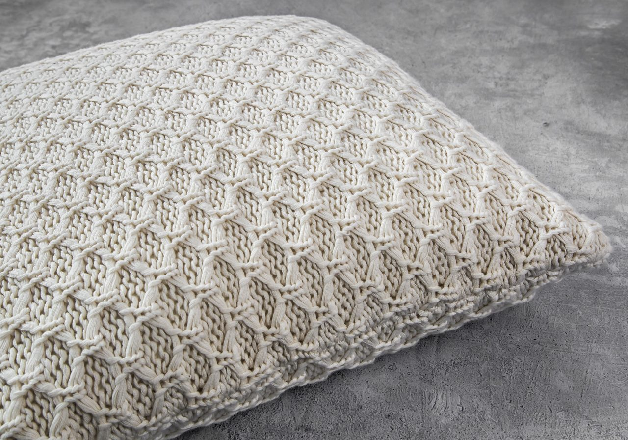 Enfield Nat Pillow 20 x 20, Close Up