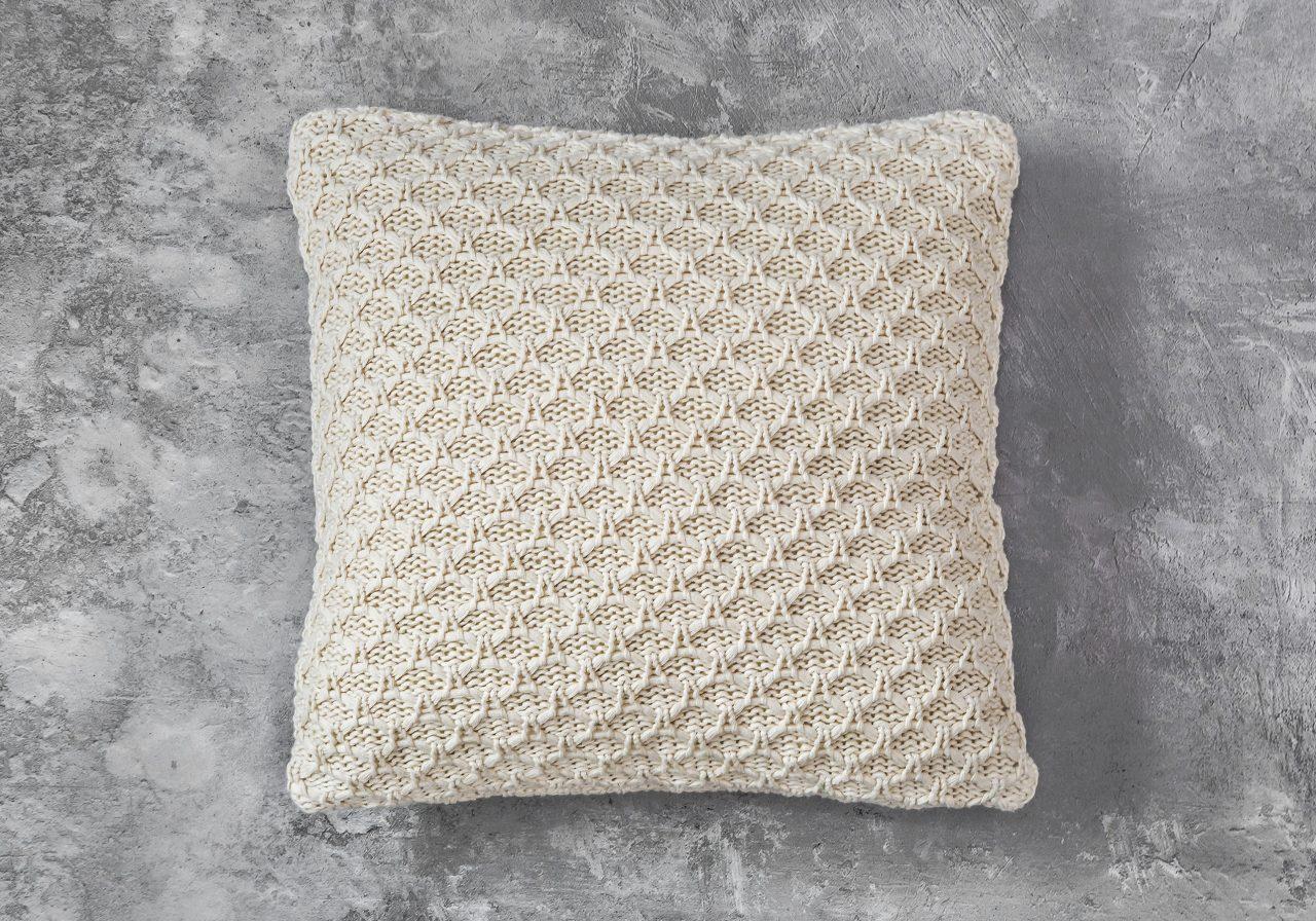 Enfield Nat Pillow 20 x 20, Top