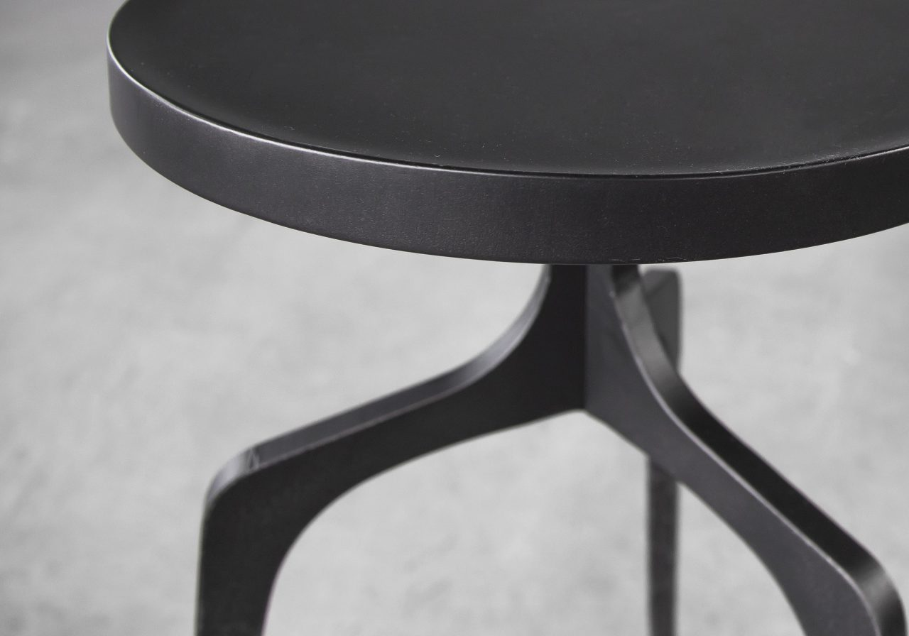 Jules Sidetable, Close Up