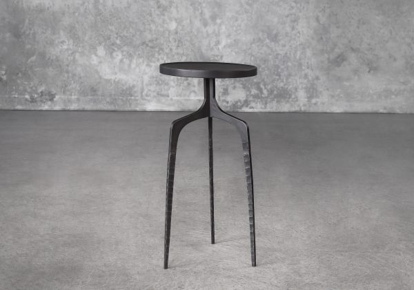 Jules Sidetable, Front