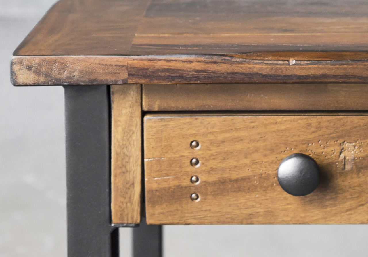 Parota Desk, Close Up