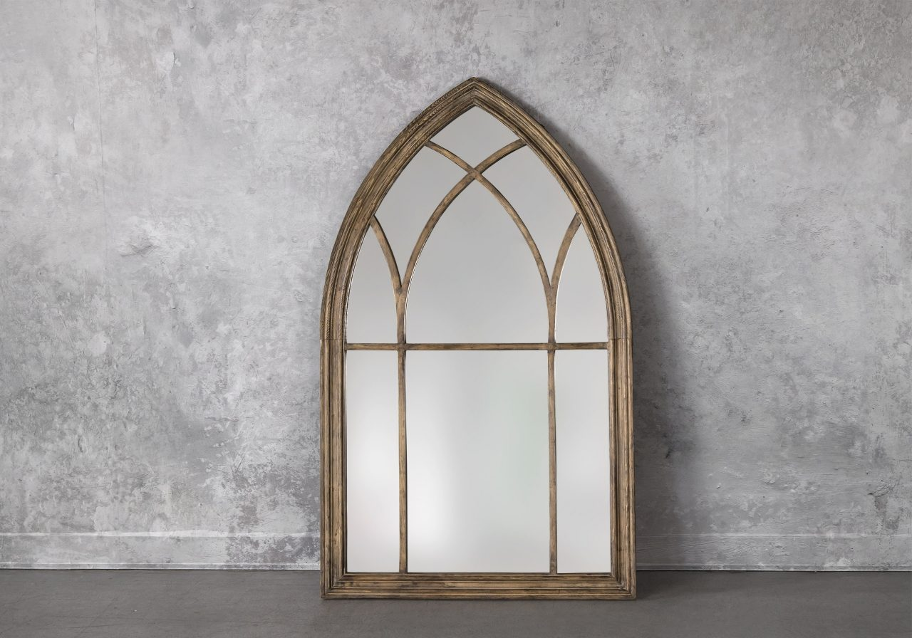 Windsor Mirror, Front